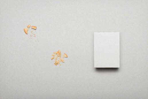 Inversed cracker packaging