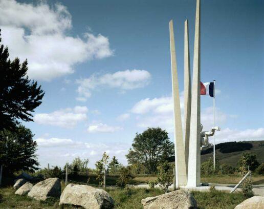backside of monument